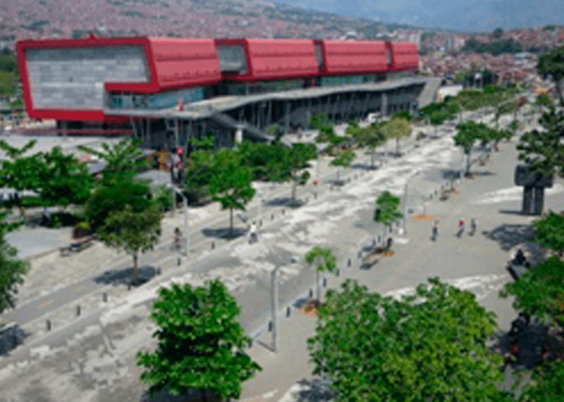 Tour Parque Explora y Pueblito Paisa