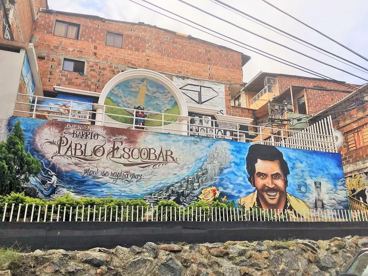 Tour Medellín de las series a la realidad